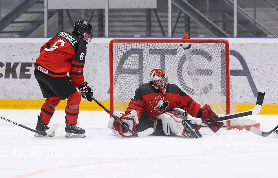 Taylor Gauther of the Prince George Cougars slides over to make a save for Canada at the 2019 World Under-18 Championship (via Chris Tanouye/HHOF-IIHF Images)