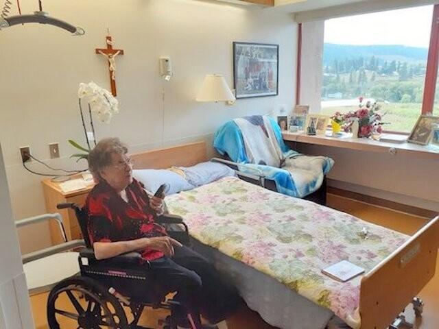 Kelowna woman care home isolation