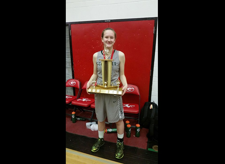 Maggie Mowser - UNBC basketball 2020