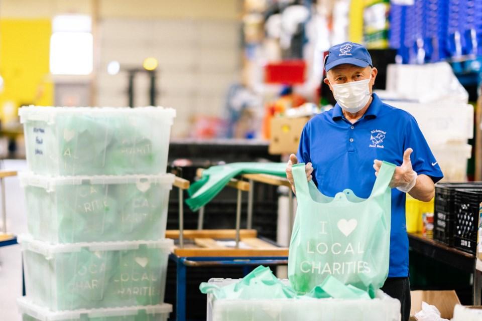 Volunteers-FoodBank (Dave Elvis)