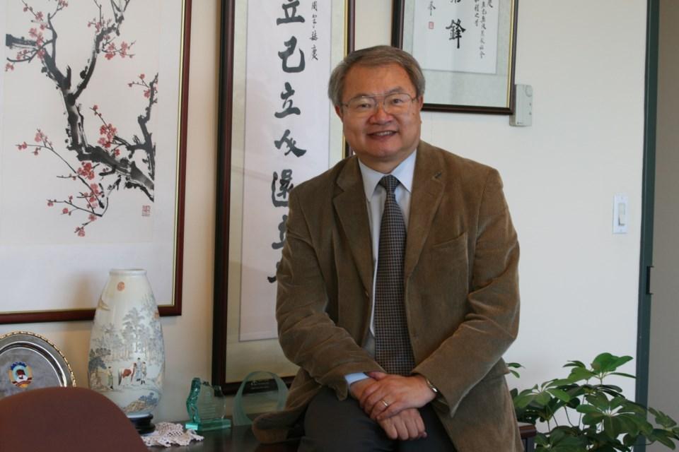 1622457-Tung-Chan-at-SUCCESS-office
