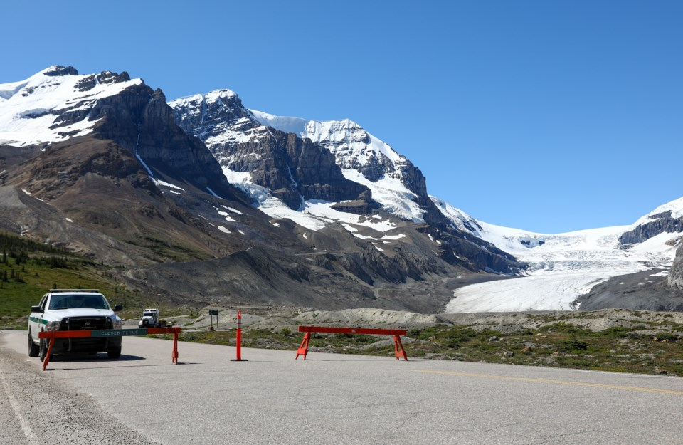 20200720 Icefields Bus 0140