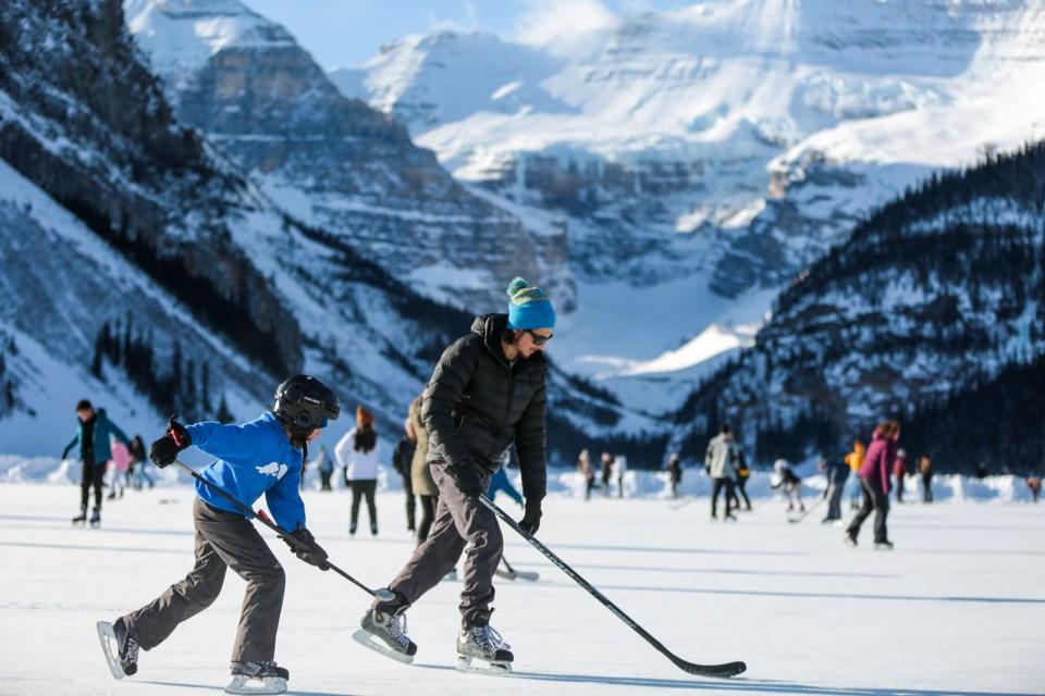 20210116 Lake Louise Skating 0065