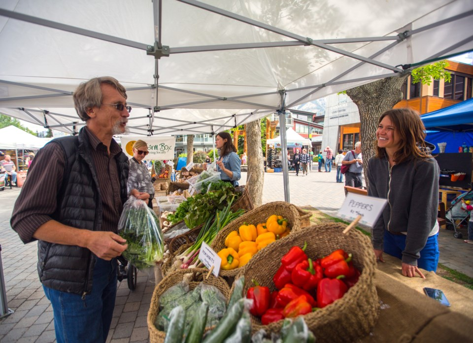 20160526 Canmore Farmers Market 0002