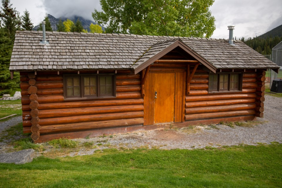 20190910 Rundle Campground Building 0005