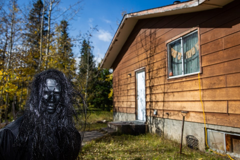 A ghoulish figure is set up in front of the Fright House in the Stoney Nakoda Nation at the end of September. Evan Buhler RMO PHOTO