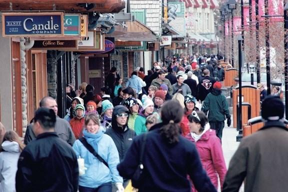 Crowds on busy Banff Avenue. RMO FILE PHOTO