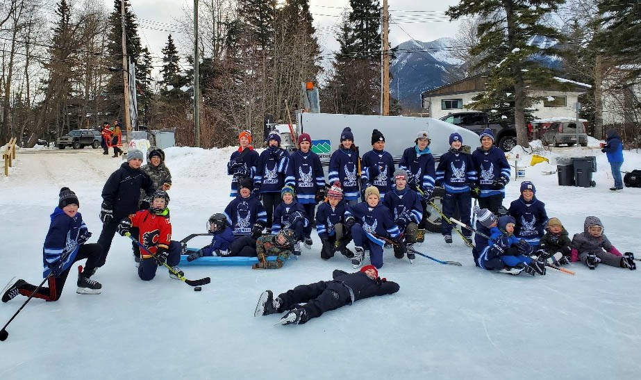 The Canmore Minor Hockey Association Peewee A team during the pop-up barbecue at Canmore's downtown pond on Jan. 3. SUBMITTED PHOTO
