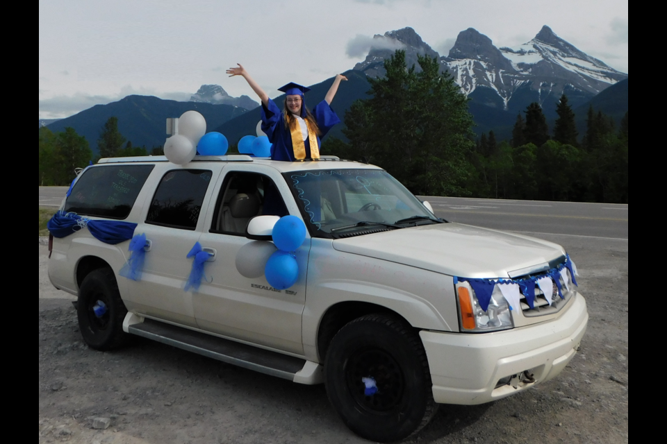 OLS student Jenna Murphy celebrates a unique high school graduation this year amid the COVID-19 pandemic. The 18-year-old is also celebrating winning a $100,000 Schulich Leader Scholarship in relation to STEM studies – science, technology, engineering and math.
