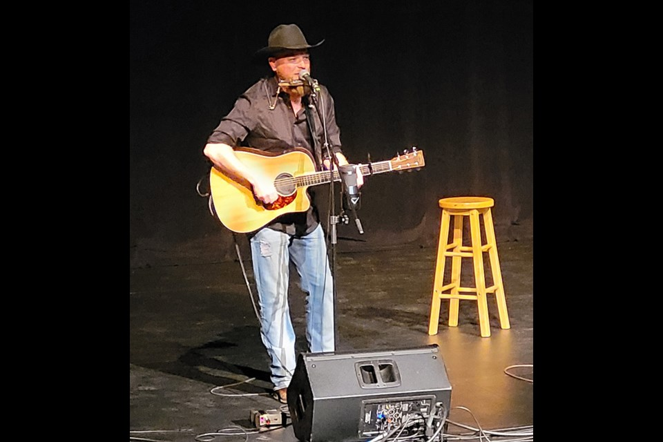 Chris Henderson performs at the Dekker Centre.