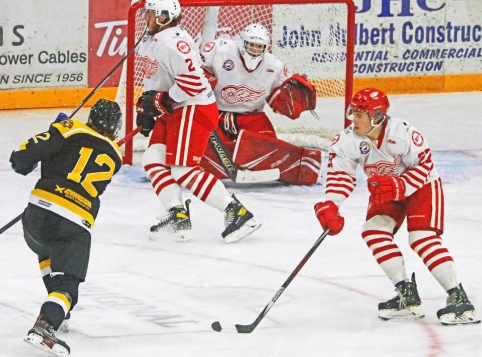 Estevan Bruins Houk pic