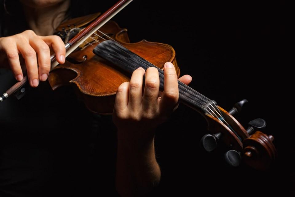 fiddle AdobeStock_42938316