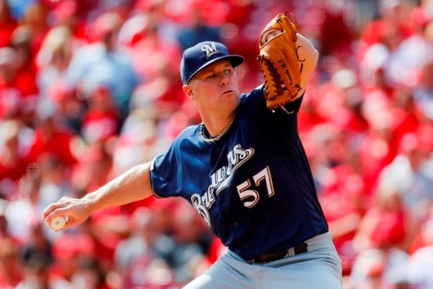 Blue Jays acquire right-handed pitcher Chase Anderson from Brewers