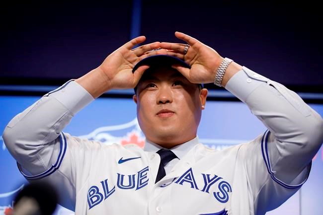 Blue Jays officially sign Shun Yamaguchi to two-year, $6.35-million contract