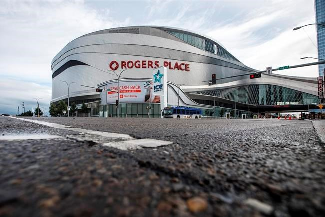 COVID-19: Experts say NHL's Canadian hubs offer little economic benefit, but morale boost is valuable