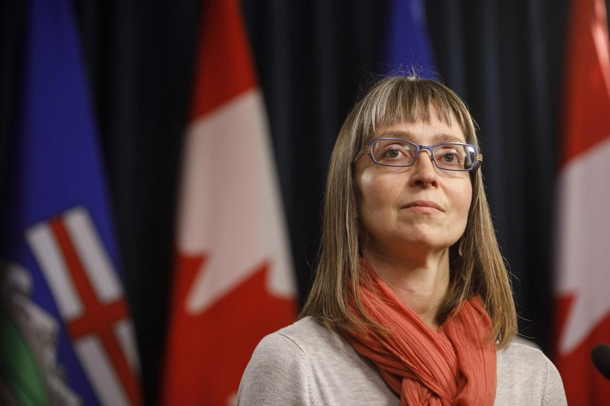 Unvaccinated Albertans are majority of COVID cases, hospitalizations, deaths: Hinshaw