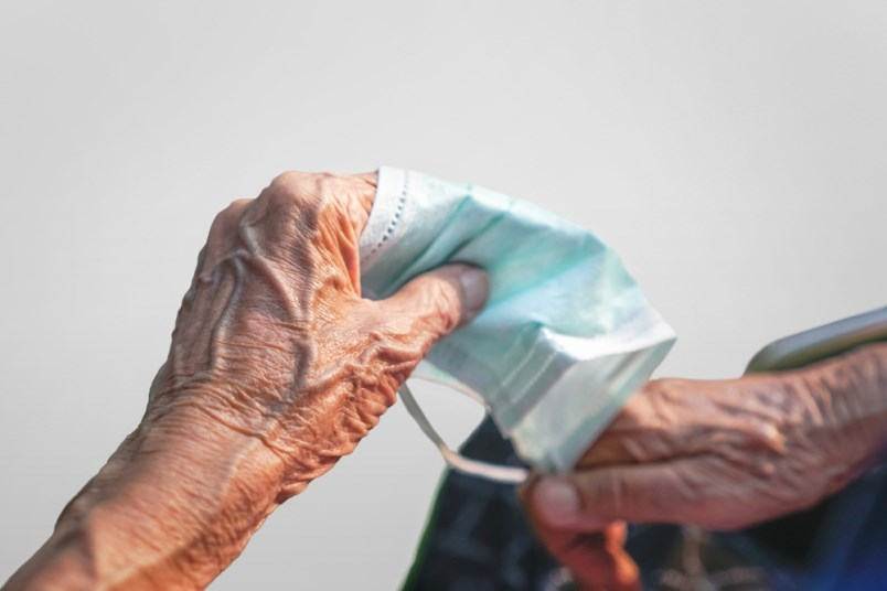 old-hands-seniors-covid-19