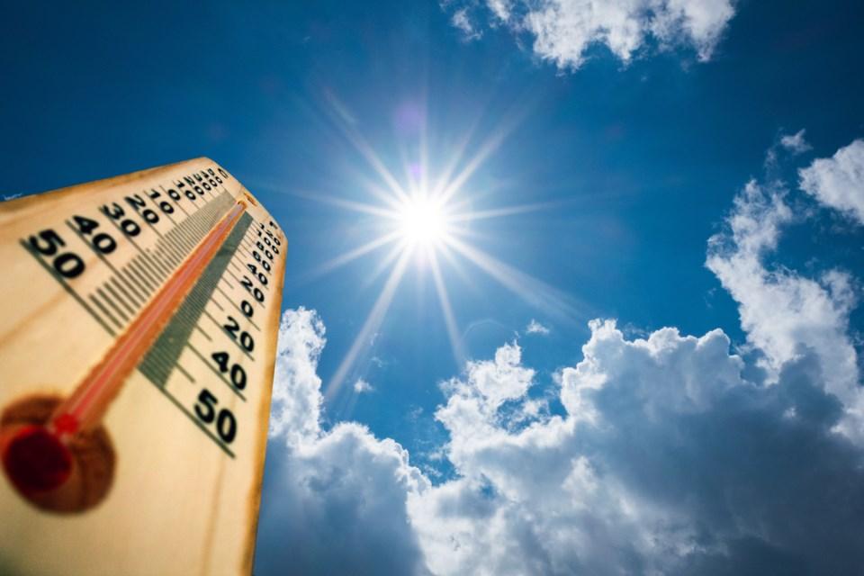 sun-temperature-heat-824845572