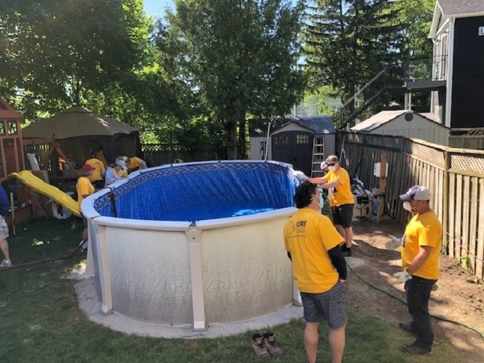 Volunteers Build Pool For Toronto Boy After Therapy Cancelled Due To Covid 19 Sootoday Com