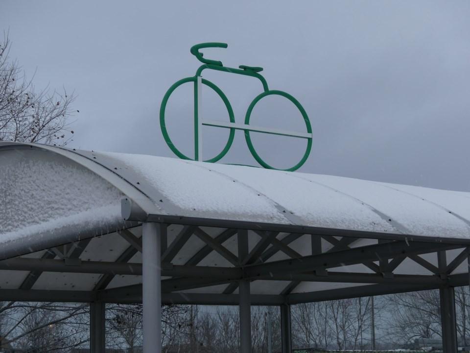 USED 2018-11-28-snowy bike rack2
