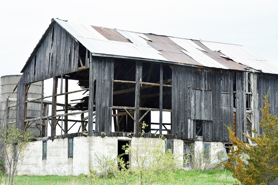 USED 2019-05-22-old barn