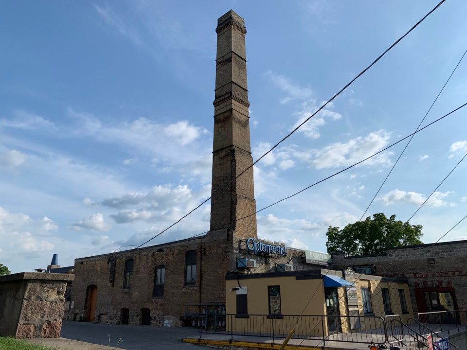 Factory column in Ayr (August 10th, 2019)