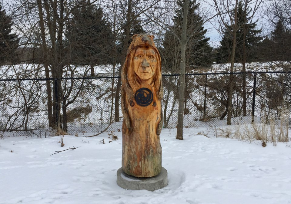 USED 2019 02 18 trail marker fox DK