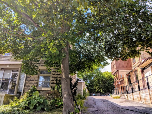 USED 20190823 downtown driveway kc