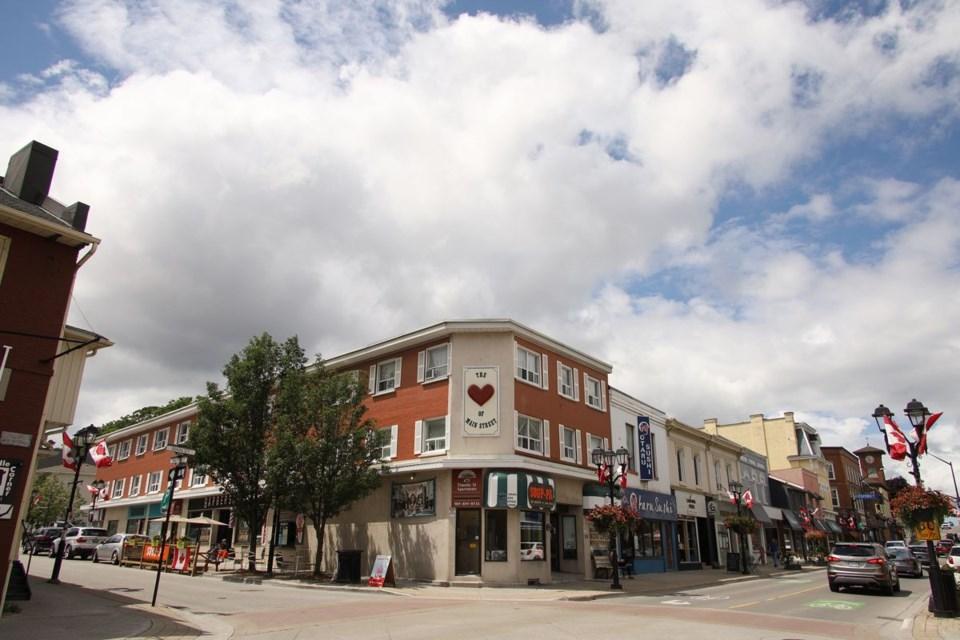 USED 2020 07 23 Main Street clouds