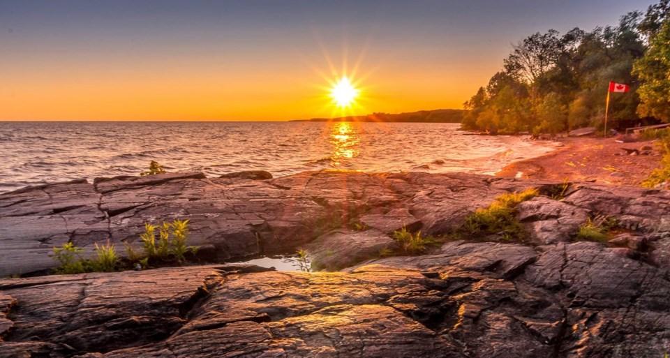 USED 2020-9-7goodmorningnorthbaybct 1 Lake Nipissing at sunset. Courtesy of Nico Beaudry.