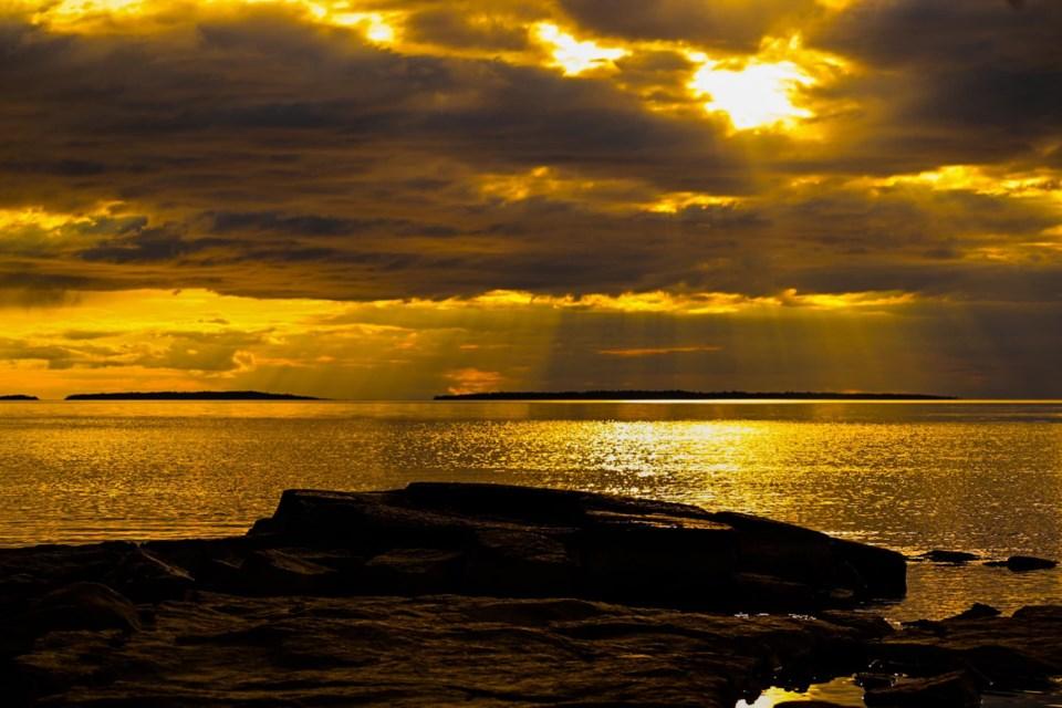 USED 2021-4-26goodmorningnorthbaybct  7 North Bay sunset. Courtesy of Joanne Gravel.