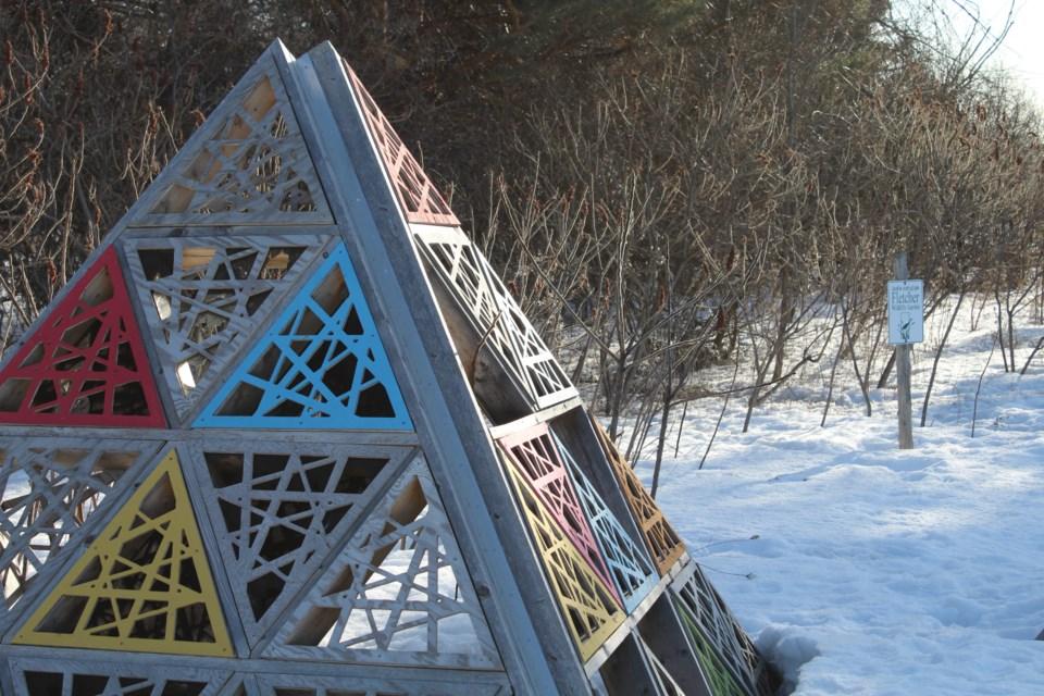 USED 2019-03-27 Canadensis art MV1