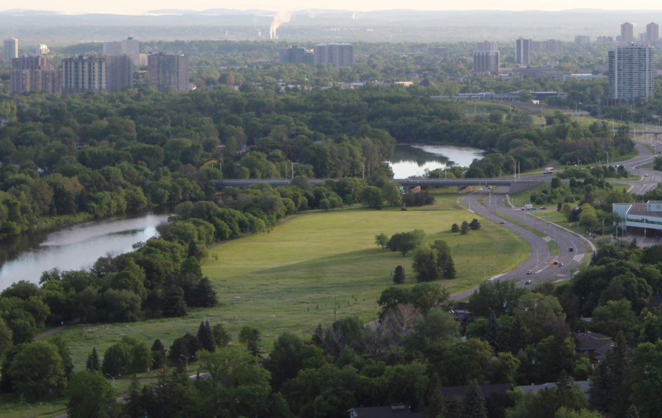 USED 2019-06-12 Riverside Drive aerial MV1