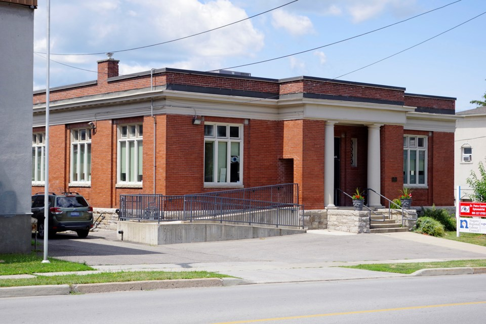 28-carnegie-library