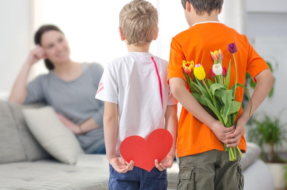 mothers day AdobeStock