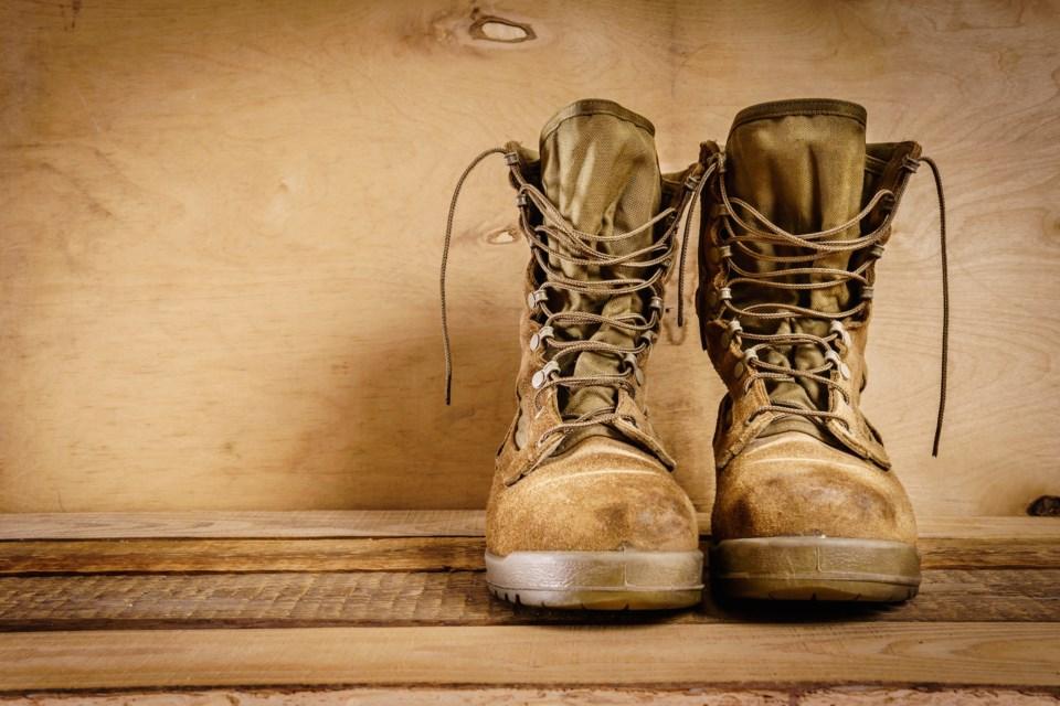 army boots AdobeStock_127521650