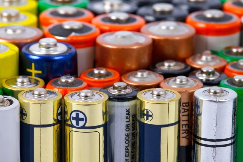 Batteries AdobeStock