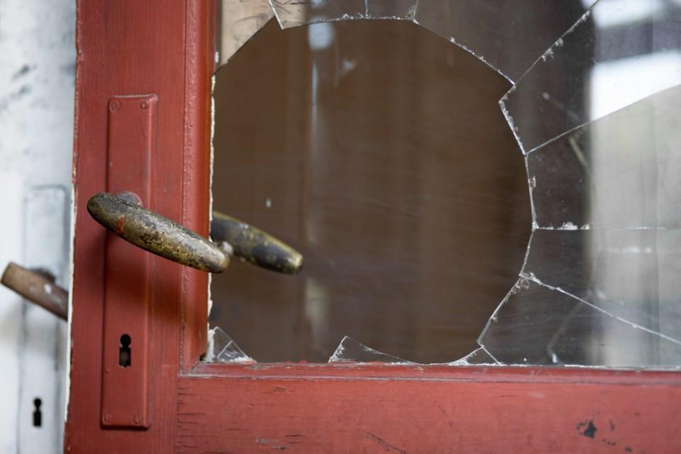 broken window AdobeStock_103992389