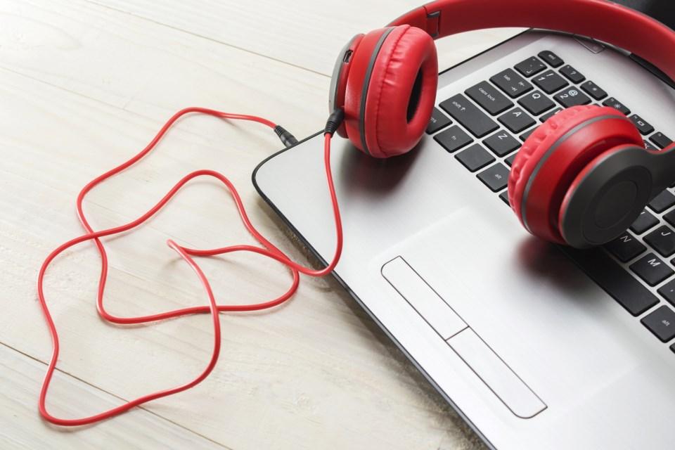 computer music AdobeStock_189366212