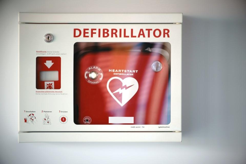 defibrillator AED stock