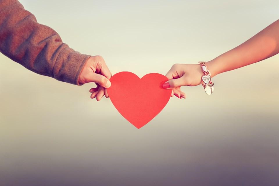 love heart anniversary couple