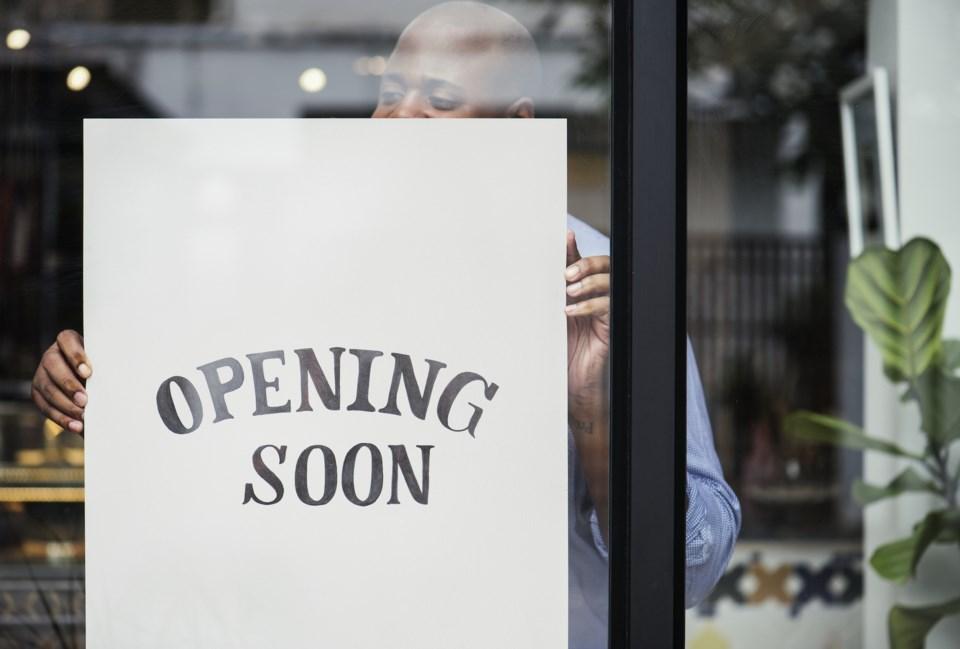 opening soon AdobeStock_200728266