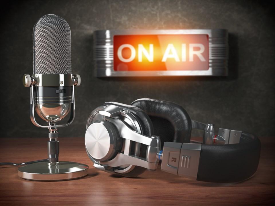radio mic AdobeStock_171943261