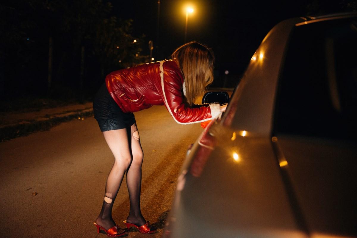 Секс придорожней проституткой англия проститутки