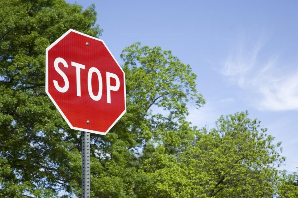 stop sign AdobeStock_144926417