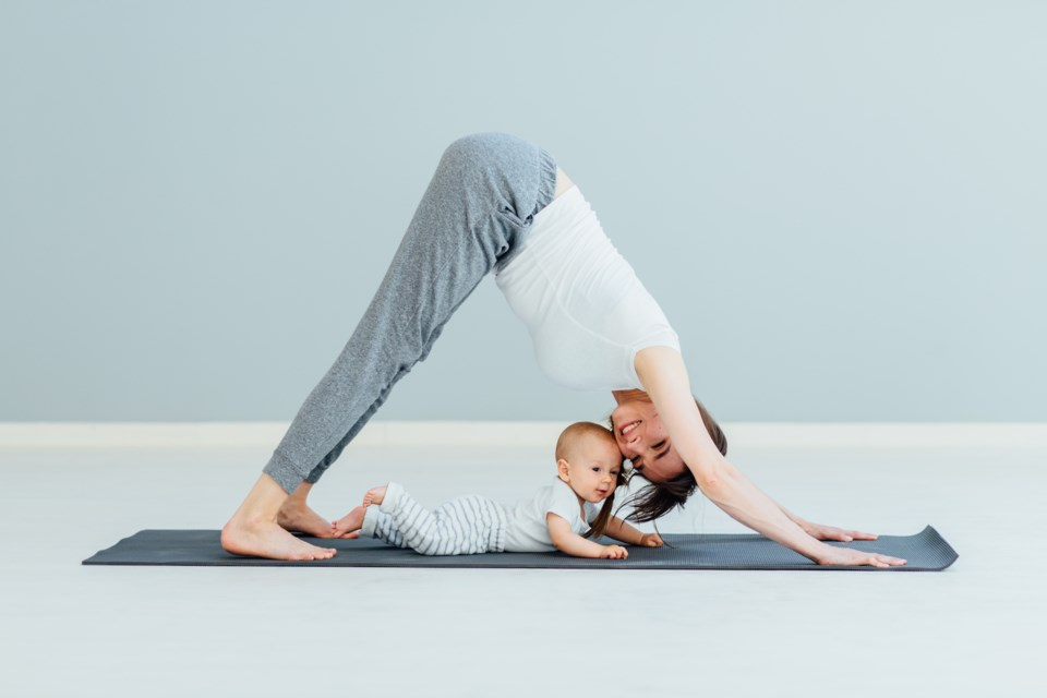 yoga mom AdobeStock_159882563