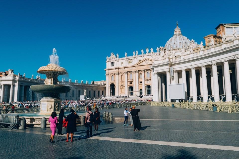 Vatican pexels-kai-pilger-1243538