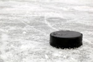 Lakers pick up key WCHA points