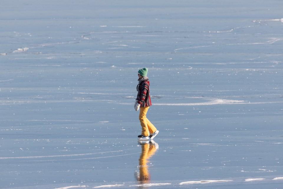 Goulais Bay Clear Flat Black Ice Feb. 3, 2021