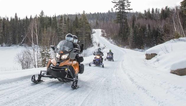 mlortz_snowmobile_dtrail_algoma